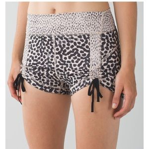 Rare Lululemon Liberty Shorts (animal print) 🐾